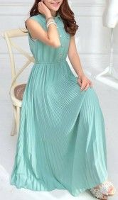 this long chiffond dress is the dress that will attract every single glimpse