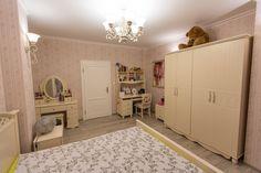 Alcove, Entryway, Bathtub, Bathroom, Furniture, Home Decor, Entrance, Standing Bath, Washroom
