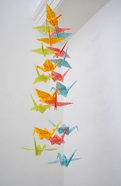 Paper cranes, paper stars, they just make me so happy. Why do I never just sit down and make them for myself?