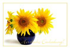Klassische Einladung zum Geburtstag mit fröhlich-gelbem Sonnenblumenstrauß.