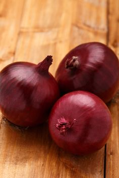 onion - home remedies for strep throat Home Remedies For Strep, Strep Throat Remedies, Cough Remedies, Natural Home Remedies, Health Remedies, Healing Herbs, Natural Healing, Healthy Body Weight, Best Diets
