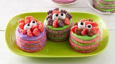 Monster Cookie Stacks Halloween Cookie Recipes, Easy Halloween Food, Halloween Treats For Kids, Halloween Desserts, Halloween Cookies, Halloween Ideas, Scream Halloween, Creepy Halloween, Holiday Cookies