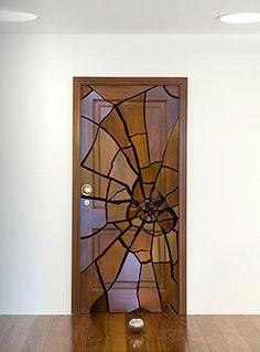 10 самыхнеобычных и креативных межкомнатных дверей, которые понравятся как и дизайнерам, так и любителям красивых интерьеров.