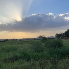 #arusha #beautiful #moment #bycar #city #travel #girl #enjoy #love #sunset #tanzania #travelphotography #instatravel #instatravel #nature #africa #naturelovers #naturephotography #smile #thanks