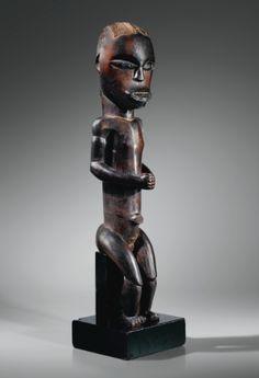 Statue, Fang, Gabon FANG FIGURE, GABON haut. 54,5 cm  Figure sur deux photographies d'installation de l'exposition à New York en 1933  READ note