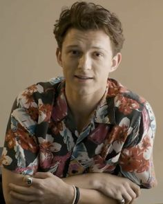 Baby Boy Toms, Beautiful Boys, Pretty Boys, Tom Peters, Hollaback Girl, Tom Holand, Tom Holland Peter Parker, Men's Toms, Tommy Boy