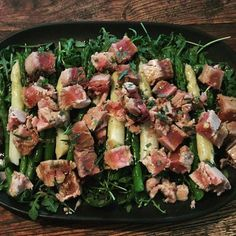 Seared tuna with an asparagus and rocket salad. X #daisydining #daylesford #catering #daylesfordcatering #bespokecatering #bespoke #traditionalcooking #localproduce #tuna #clammsseafood #asparagus #rocket #cleaneating #healthyfood #glutenfree #wellnessretreat #healthretreat #privatechef #privatedining #privateevent #events #weekendgetaway #melbourne #melbournefood #wanderlust #wandervictoria #daisylove #daisystyle @local_food_loop
