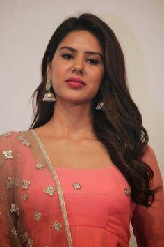 Tamil New Actress Sonam Bajwa Stills at Kappal Tamil Movie First Look Launch Pics   Bollywood Tamil Telugu Celebrities Photos