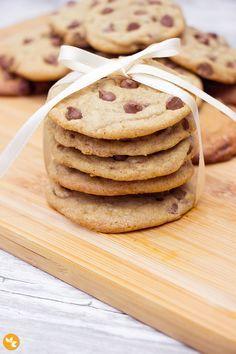 A melhor receita de cookie com gotas de chocolate. Macio por dentro e bem crocante por fora. Sensacional.