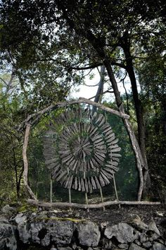Spencer Byles, an Artist who Spent a Year in the Woods Creating Mysterious Sculptures - My Modern Met