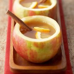 "Hot Spiced Cider ""mugs."" Fill mug with warm cider. Add a cinammon stick. Click through to site to find complete recipe for the warm cider and the apple cups. Fun Drinks, Yummy Drinks, Yummy Food, Tasty, Think Food, Love Food, Fall Recipes, Holiday Recipes, Apple Recipes"