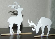 Paper reindeer, with pattern