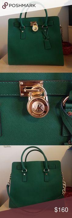 Michael kors Hamilton bag This gorgeous bag is in perfect condition. Michael kors Bags Shoulder Bags