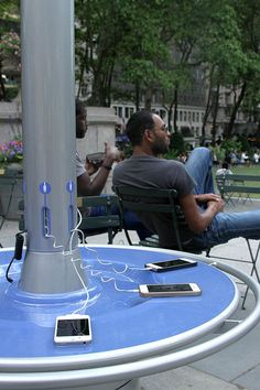 Nothing will put a stop to your day of running around the city faster than a dying phone battery! CityCharge gives users who are on-the-go a place to sit and relax while their devices charges. Powered entirely by solar energy, it features 6 charging cables that can accommodate most smartphones and tablets. A success at their new home in Bryant Park, NYC, the design is round, easy to move, and also has a communal table that encourages social interaction!