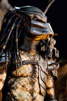 Predator was a kick ass movie Alien Vs Predator, Predator Costume, Predator Movie, Predator Alien, Predator Helmet, Arnold Schwarzenegger, Gi Joe, Film Science Fiction, Horror Films