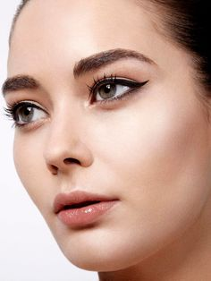 review-blow-fast-beauty-makeover.jpg (JPEG Image, 980×1306 pixels) - Scaled (46%)