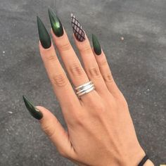 """If you're unfamiliar with nail trends and you hear the words """"coffin nails,"""" what comes to mind? It's not nails with coffins drawn on them. It's long nails with a square tip, and the look has. Nails Yellow, Dark Green Nails, Dark Nails, Matte Nails, Gel Nails, Nail Polish, Claw Nails, Coffin Nails, Green Nail Art"""
