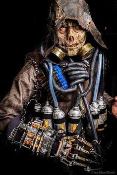 Scarecrow from Batman Arkham Knight  Cosplay by Darkspawnx cosplay  photo by Grey Man photo #Scarecrowcosplay #batmanArkhamKnight #cosplayclass #DCcomics