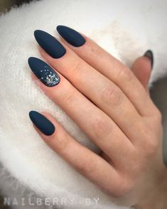 Classic Blue: Pantone Manicure Ideas for Pantone Navy Blue Nails, Green Nails, Blue Nails Art, Navy Blue Nail Designs, Pink Nail, Pantone, Cute Nails, Pretty Nails, Milky Nails