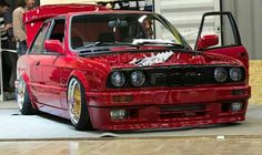 BMW E30 3 series red slammed