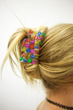 This hairstyle. Oh man. vtg transparent smiley hair clip from Bobby Dang Fa… This hairstyle. Oh man. vtg transparent smiley hair clip from Bobby Dang Fashion Barrette, Vintage Accessories, Hair Accessories, The Cardigans, Tribal Hair, Estilo Indie, 90s Hairstyles, Tumblr Fashion, Hair Beads