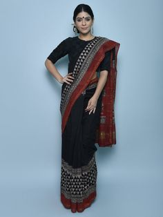 Silk Saree Kanchipuram, Chanderi Silk Saree, Ikkat Saree, Silk Sarees, Black Cotton Saree, Grey Saree, Black Saree, Indian Saris, Indian Blouse