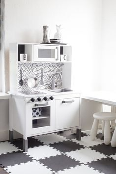 35 Ikea Hacks for the children's room – Küchen hacks Ikea Kitchen Diy, Hacks Ikea, Ikea Toys, Kids Play Kitchen, Ikea Bedroom, Idee Diy, Baby Room Decor, Diy Home Decor, Furniture
