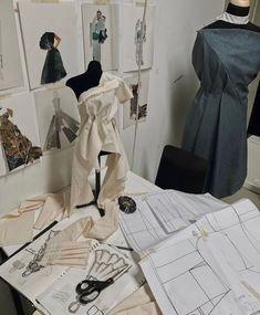 Fashion Jobs, Student Fashion, School Fashion, Fashion Art, Fashion Models, Fashion Outfits, Fashion Design Sketchbook, Fashion Design Portfolio, Fashion Design Drawings