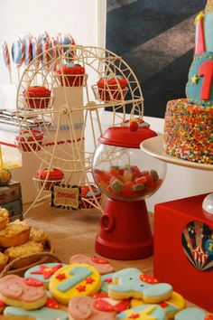 Vintage Circus Party with a Corvus animal cookie as party favor