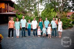 » Blog Large family session, Cinderella's Castle,teal and coral, what to wear for pictures, Disney, Polynesian, Tanya Downs Photography
