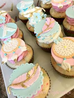 Baby Shower Cupcakes for girls, boys and neutral showers. This collection includes cupcake ideas for woodland, elephant, boho, floral, rustic, pink, baby blue, animal baby shower themes, and a lot more. Some ideas are DIY simple and easy to make yourself, some are inspiration for you to take to your baker. #babyshower