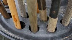 Reutilizar um bidão para organização de ferramenta.