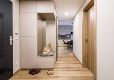 dobryinterier.sk Foyer, Closet, Home Decor, Homemade Home Decor, Closets, Cabinet, Interior Design, Foyers, Home Interiors