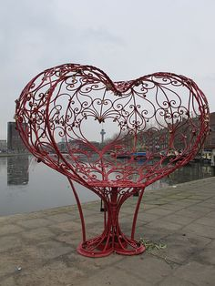 "❤♡❤ ""The Lock of Love"" in Delfshaven, Netherlands is a heart shaped love seat. Heart In Nature, All Heart, I Love Heart, Happy Heart, Heart Art, Art Diy, Heart Images, Valentine Day Love, Love Symbols"