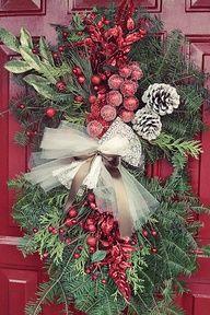 Hayseed Homemakin'- Cute holiday swag