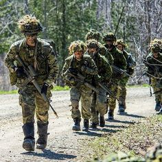 American Independence, American Freedom, Military Uniforms, Military Men, Force Pictures, Soldier Love, Canadian Army, Military Pictures, Future Jobs
