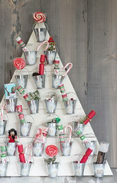 Give the traditional holiday advent calendar a DIY twist with this amazing seasonal craft.