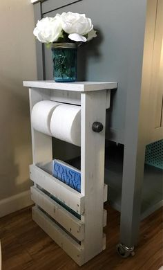 Bathroom Organisation, Home Organization, Diy Wood Projects, Home Projects, Free Standing Toilet Paper Holder, Bathroom Toilet Paper Holders, Toilet Paper Holder Stand, Free Standing Shelves, Fixer Upper Decor