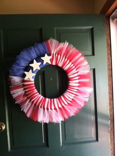 Fourth of July tulle wreath Tulle Projects, Tulle Crafts, Wreath Crafts, Diy Wreath, Decor Crafts, Diy Crafts, Wreath Ideas, Patriotic Wreath, Patriotic Crafts