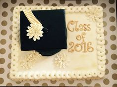 Black and gold grad cake