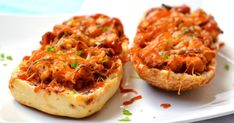 Eat Pray Love, Creative Food, Bruschetta, Salmon Burgers, Meat Recipes, Street Food, Cheddar, Baked Potato, Hamburger
