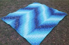 Blue Bargello Quilt Pattern | This free bargello quilt pattern is a gift from us to you, designed by guest blogger Krystal Jakelwicz!
