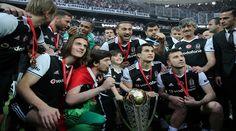 بيشكطاش يتسلم كأس الدوري التركي لكرة القدم Spor Toto Süper ويضيف نجمة ثالثة على شعاره