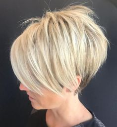 Pixie Haircuts with Bangs - 50 Terrific Tapers - - Shaggy Pixie for Poker Straight Hair Looking for a hairstyle that'll work with your straight hair? A shaggy pixie cut like this one will give you plenty of texture and dimension. Inverted Bob Hairstyles, Bob Hairstyles For Fine Hair, Short Pixie Haircuts, Haircuts With Bangs, Short Haircut, Hairstyles Haircuts, Haircut Styles, Layered Hairstyles, Popular Hairstyles