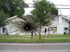 Casa com um Tunel - Ilusão óptica?  - House with a Tunnel - Optical Illusion?