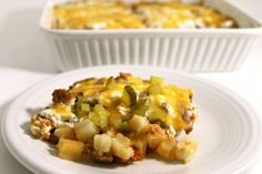 Low Calorie Cheeseburger and Potato Casserole. This NEW casserole has all the yummy flavors of a cheeseburger and fries without all the fat and calories. Each serving has just 163 calories, 3 g fat and 4 Weight Watchers POINTS PLUS. http://www.skinnykitchen.com/recipes/low-calorie-cheeseburger-and-potato-casserole/