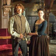 """#Outlander 113 Aww Claire """"You're tearin my guts out!"""" """"It would take more strength than I have!"""" #Soblander"""