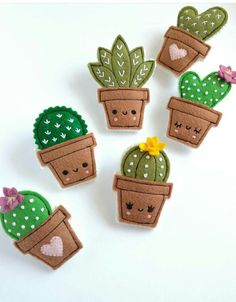 Felt cactus brooches handmade brooch choose your favorite - basteln Felt Crafts Diy, Felt Diy, Cute Crafts, Fabric Crafts, Sewing Crafts, Sewing Projects, Crafts For Kids, Sewing Ideas, Craft Projects