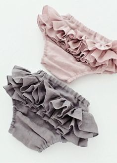 Handmade Ruffled Linen Bloomers | moonroomkids on Etsy