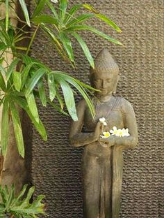 Awesome Buddha Statue for Garden Decorations 35 - Rockindeco Bali Garden, Balinese Garden, Buddha Garden, Garden Art, Balinese Interior, Balinese Decor, Artistic Tree, Bali Decor, Standing Buddha